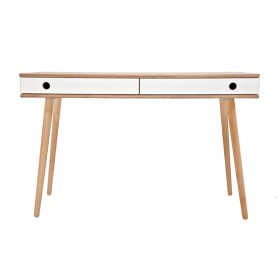 Man desk